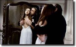 Διαβάστε περισσότερα: O τρελός, σουρεαλιστικός έρωτας στον Λουίς Μπουνιουέλ