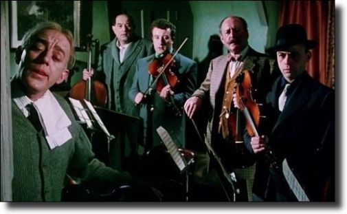 b_505X0_505X0_16777215_00_images_1718_the-ladykillers.jpg