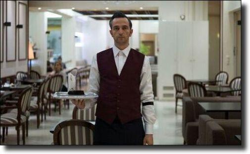 b_505X0_505X0_16777215_00_images_2021_the-waiter.jpg